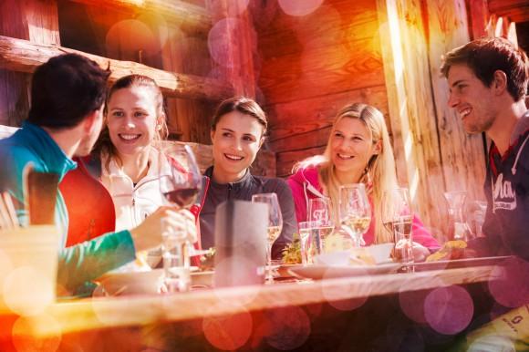otel-vierjahreszeiten-4-sterne-hotel-flachau-apres-ski-nightlife