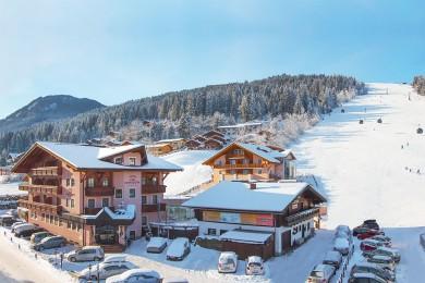 Hotel Vierjahreszeiten - Hotel direkt an der Piste - Flachau