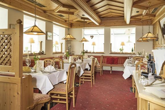 Hotel Vierjahreszeiten - Feine Kulinarik - 4 Sterne Hotel - Flachau