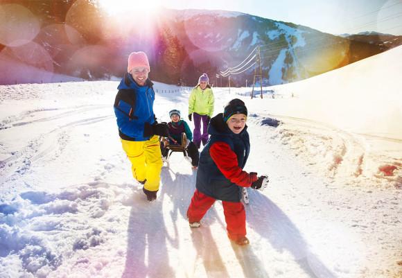 Rodeln - Winterurlaub im Hotel Vierjahreszeiten in Flachau